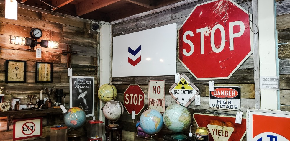 10 Most Important Roadway Signs You Must Know